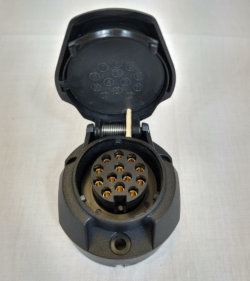 Vechline 13 Pin Towing Socket
